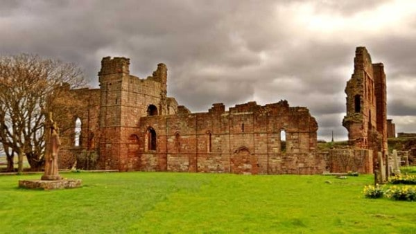 The-Viking-Age-Began-Because-of-Heathen-Resistance-attack-monastery-Lindisfarne