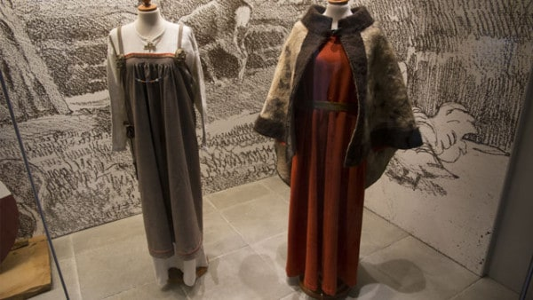 Viking-clothes-clothing-women-woman-vikingr-society-patterns-fashion-vikingage-scandinavia
