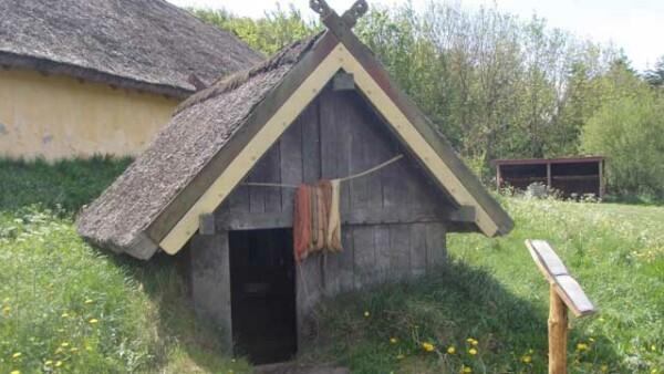 viking-pit-house-grubehus