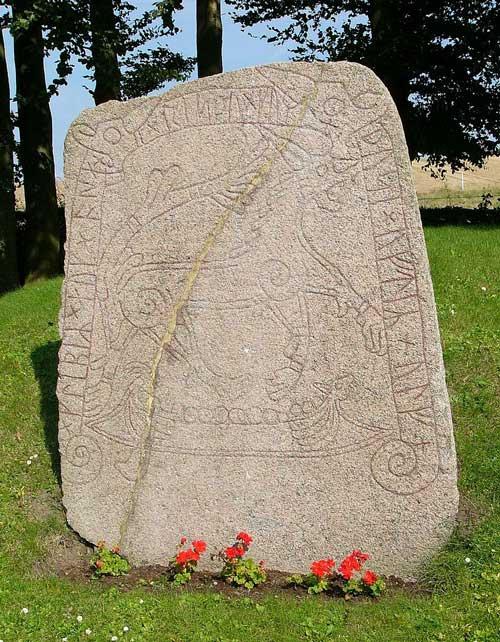 tullstorp-runestone-skåne-naglfar-fenrir